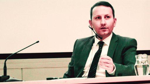 احمدرضا جلالی؛ تداوم بلاتکلیفی و خودداری مقامات از برگزاری دادگاه برای این پژوهشگر زندانی