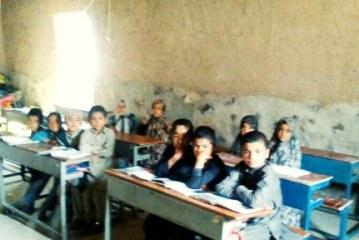 گزارشی از یک مدرسه خشتی و گلی در دامنه منطقه توریستی بلوچستان/ تصاویر