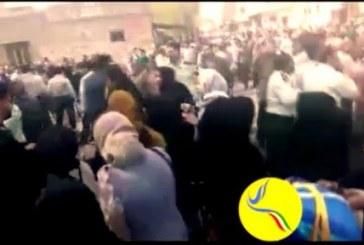 تجمع مردم دزفول در اعتراض به انتقال آب رودخانه دز با حضور ماموران نیروی انتظامی به خشونت کشیده شد