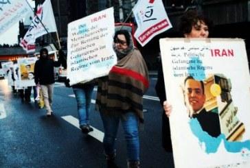 روز جهانی حقوق بشر؛ راهپیمایی شماری از شهروندان ایرانی در کلن در حمایت از زندانیان سیاسی