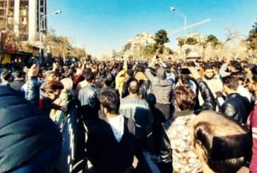 «ایران که شاه نداره، حساب کتاب نداره»؛ اعتراض مردم در چندین شهر کشور نسبت به فقر و گرانی/ بازداشت شهروندان