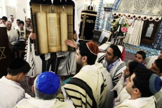 حمله به دو نیایشگاه یهودیان در شیراز و تخریب اموال