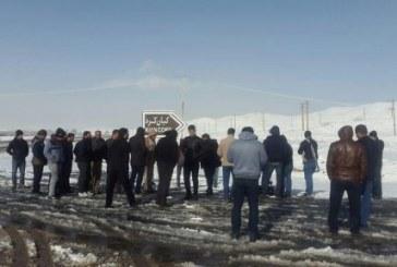 تجمع کارگران «کیان کُرد» در مقابل این کارخانه